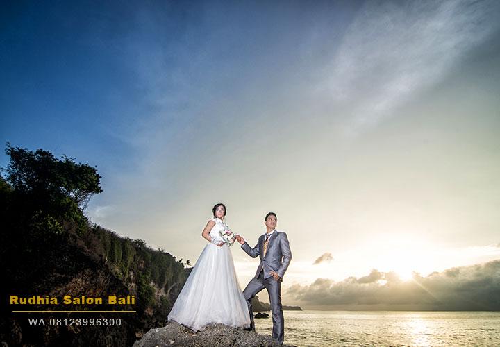 prewedding di pantai bali